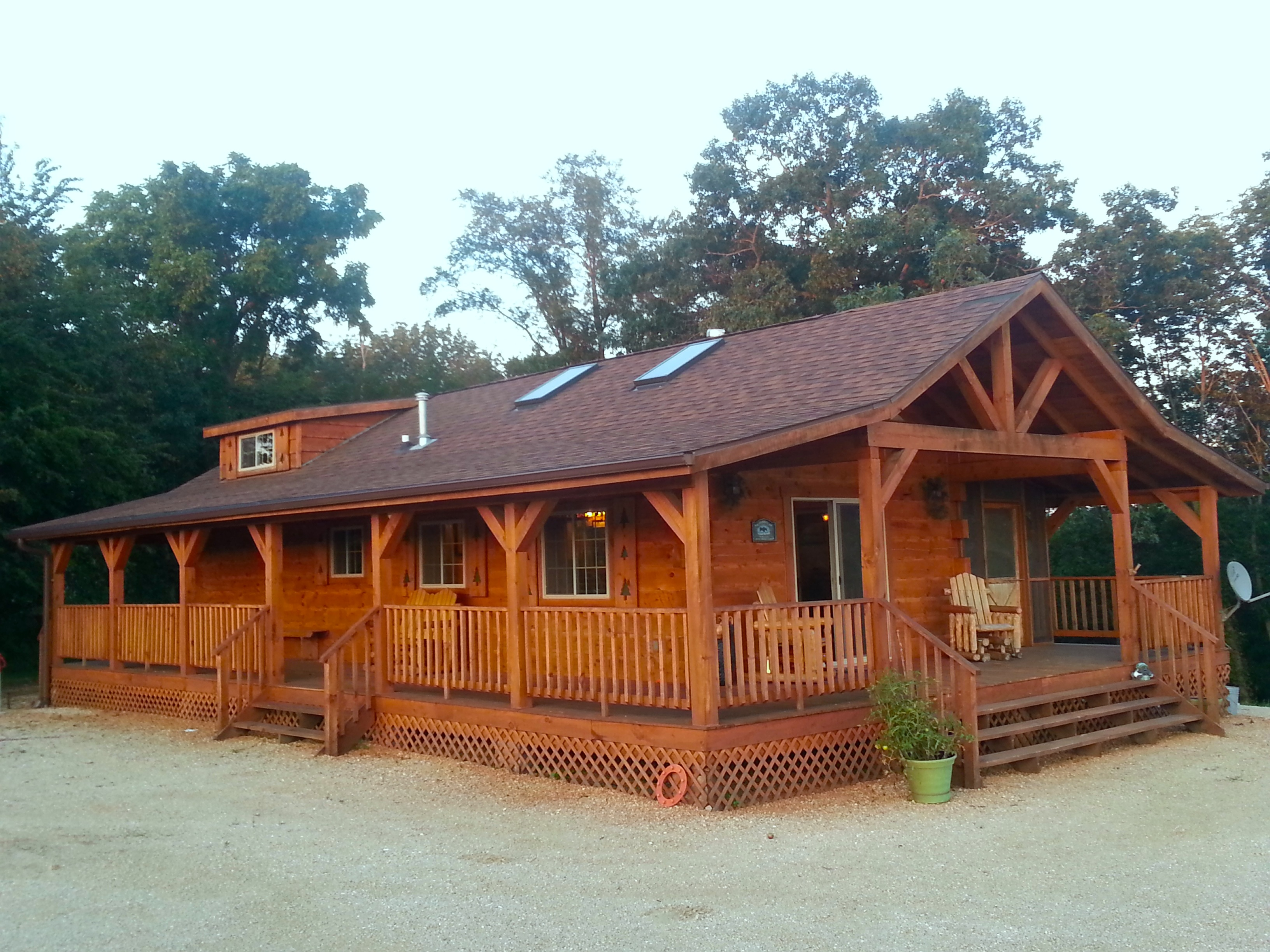 Burr Oak Log Cabin For Rent in Iowa | Iowa Cabin Rentals