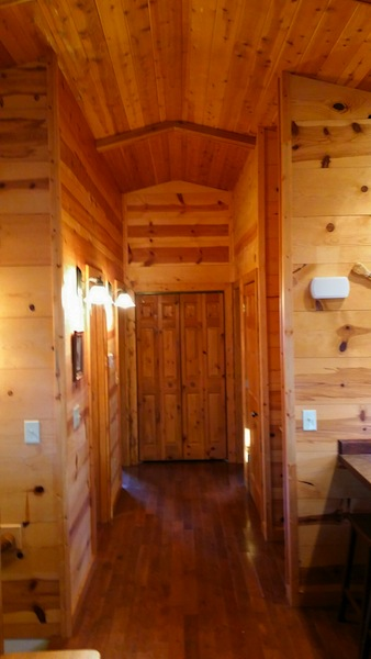 Timber Ridge Hideaway Log Cabin Hot Tub Iowa Cabin Rentals